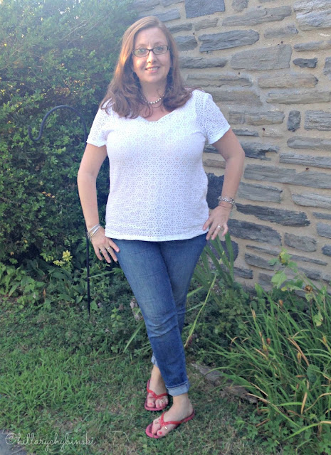 As Summer Turns to Fall, I'm Pairing a White Eyelet T with Skinny Jeans