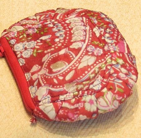 Neceser de seda en rojo y blanco redondeado