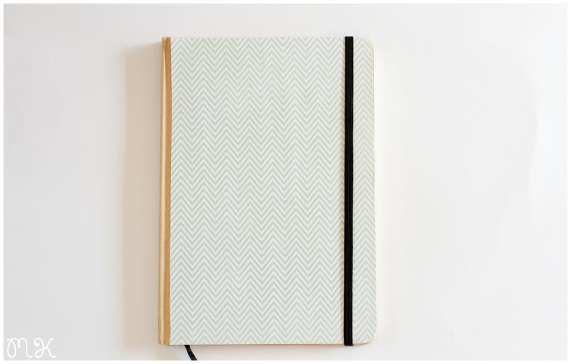 libreta decorada con papel kraft chevron