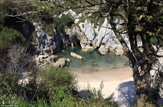 Cantiknya Pantai Tak Berlaut Dari Spanyol