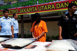 Police in North Jakarta have foiled an attempt to smuggle 16 kilograms of crystal methamphetamine into the country from China
