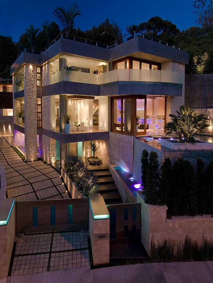 African Beautiful Mansions