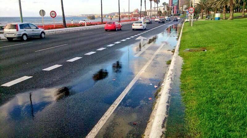 Fuga de agua y corte al trafico  Avenida Marítima, Las Palmas