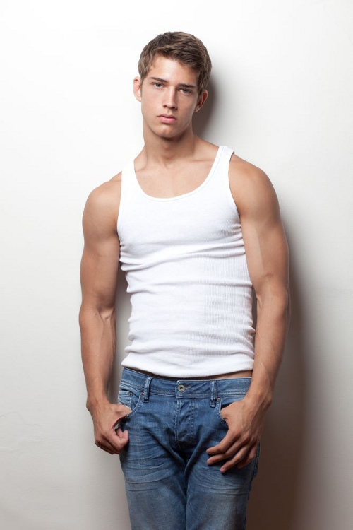 bowers gay personals Gay online dating bowers gifford - ss13 -get connected now-gay personals-meet guys now-free classified ads simple, local and free - vivastreet.