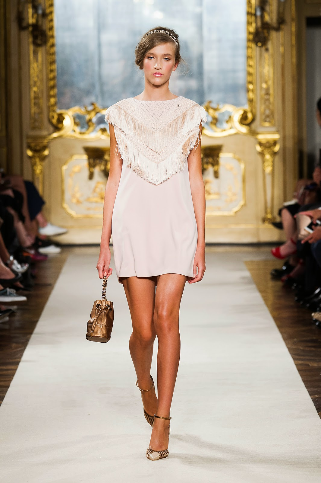 Elisabetta Franchi -  Colecção primavera-verão camisa franjas