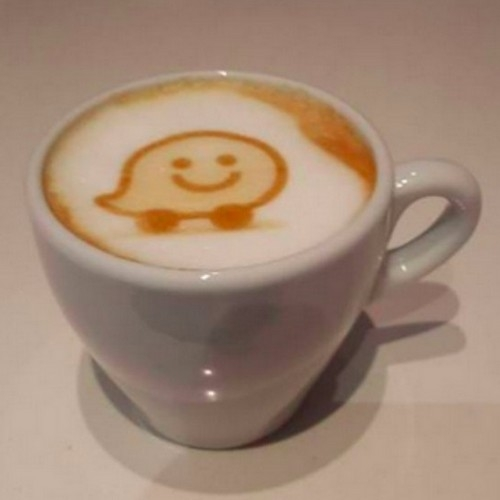 07-Waze-Ripple-Maker-Personalise-your-Coffee-with-Images-and-Text-www-designstack-co