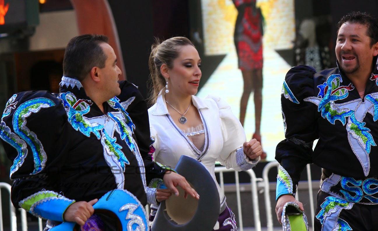 Desfile de la hispanidad de Nueva York 2014 - Caporales  San Simon Bloque La Paz