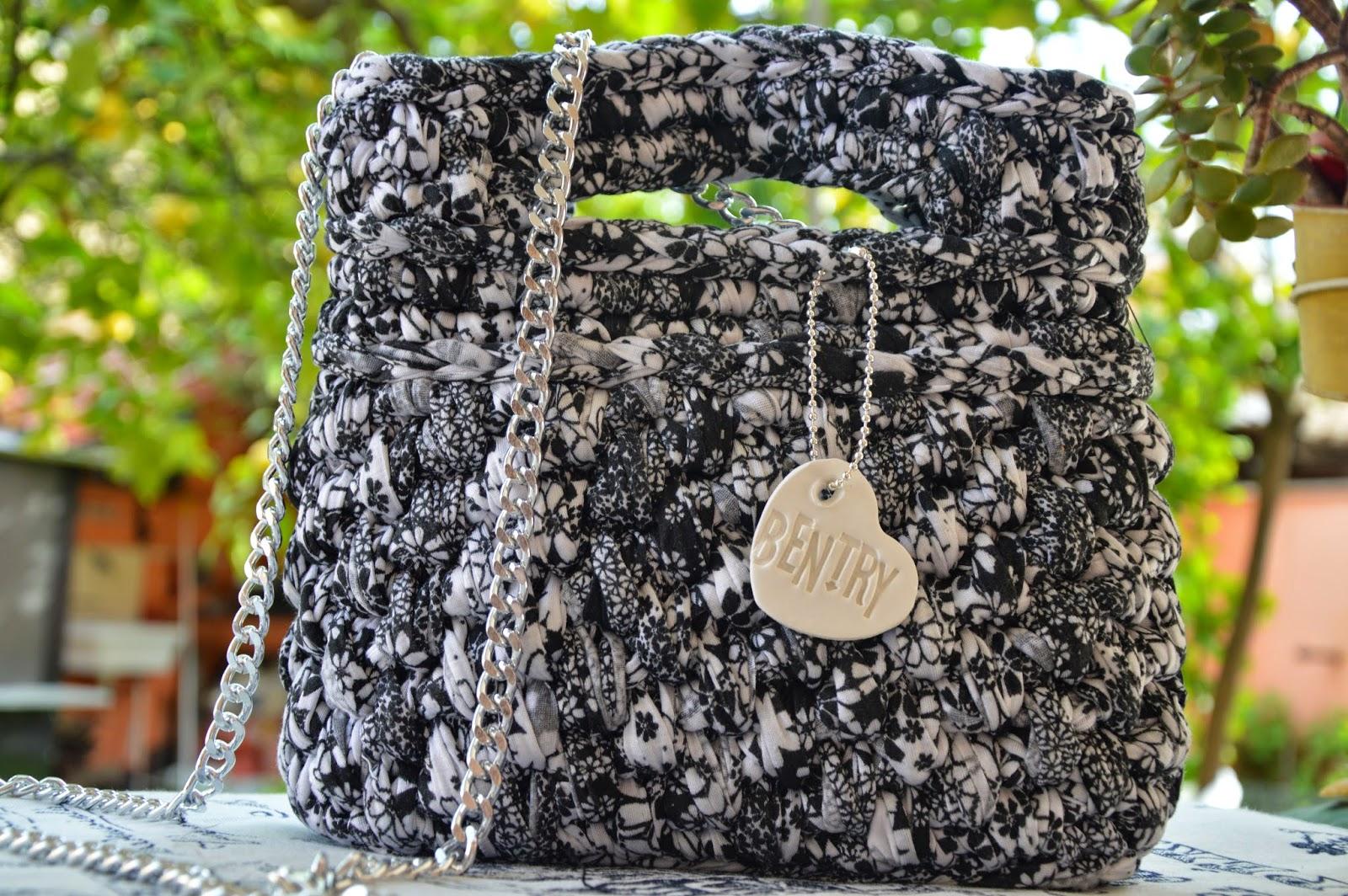 Borsa cotone stampato fiori nero