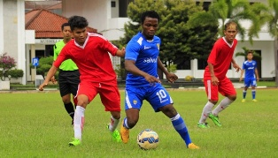 Persib Bandung Kalahkan PS UNI 5-0