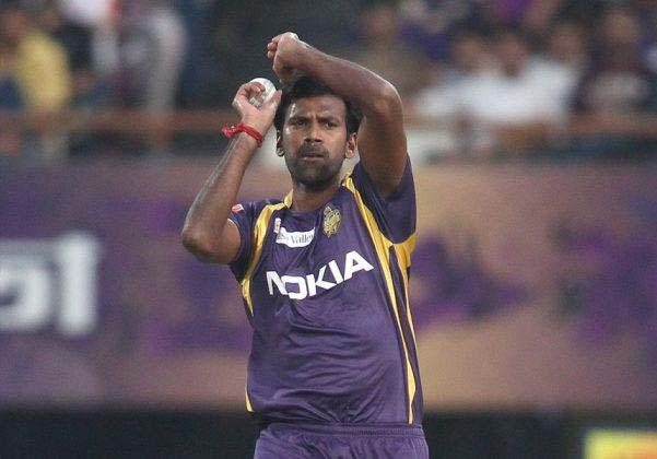 Lakshmipathy-Balaji-KKR-vs-CSK-IPL-2013