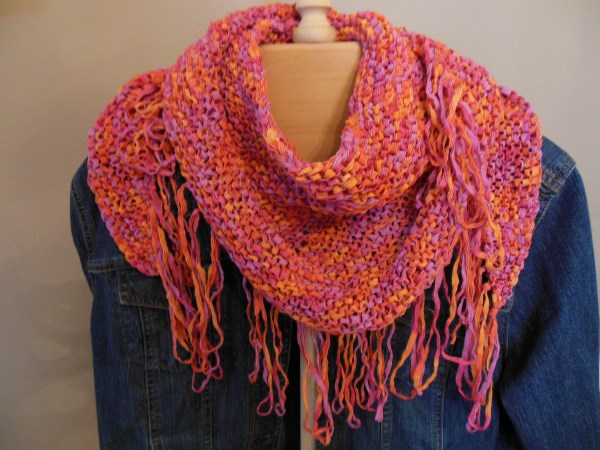 Knitting Pattern Scarf With Fringe : Natural State Knitting: Fringed Benefits Neck Scarf -- Free Pattern