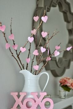 http://www.moneyhipmamas.com/2014/01/cute-and-cheap-diy-valentines-day.html