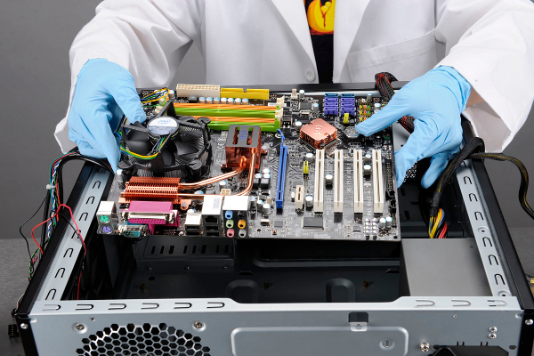 assembling a pc The process of assembling your own pc is actually very simple in contrast to most people's expectations compared to researching part selection, actual assembly is a much simpler task many prospective builders are often overwhelmed at the idea of assembling their own pc from scratch.