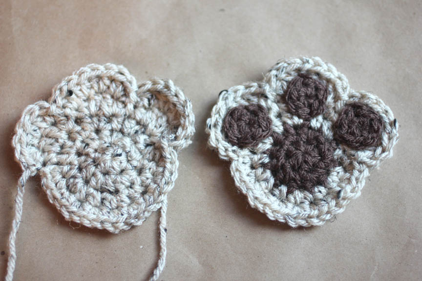 Free Crochet Pattern For Paw Print : Puppy Dog Lovey Blanket Crochet Pattern - Repeat Crafter Me
