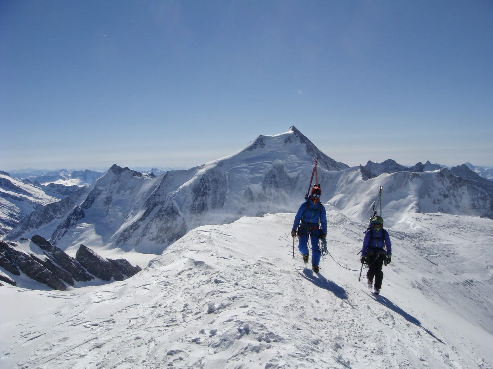 Mittaghorn. Al fondo el Aetschhorn (Oberland).