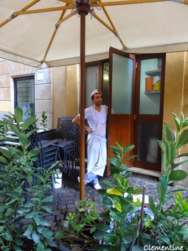 Le blog de clementine rome le parc villa borghese for Portent en francais