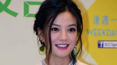 Terlalu Cantik Aktris Zhao Wei Di Usir Penggemar