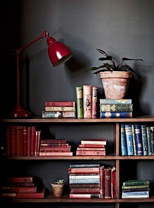 decoracao-tendencia-marsala-pantone-cor-ano-2015-livros