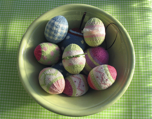 Knitted Easter Eggs Free Patterns : The Knitting Needle and the Damage Done: March 2013