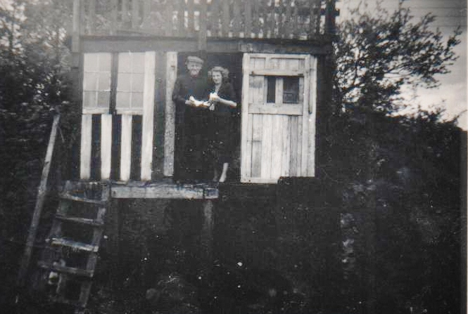 Dad in his Pigeon Cot, Penygarn
