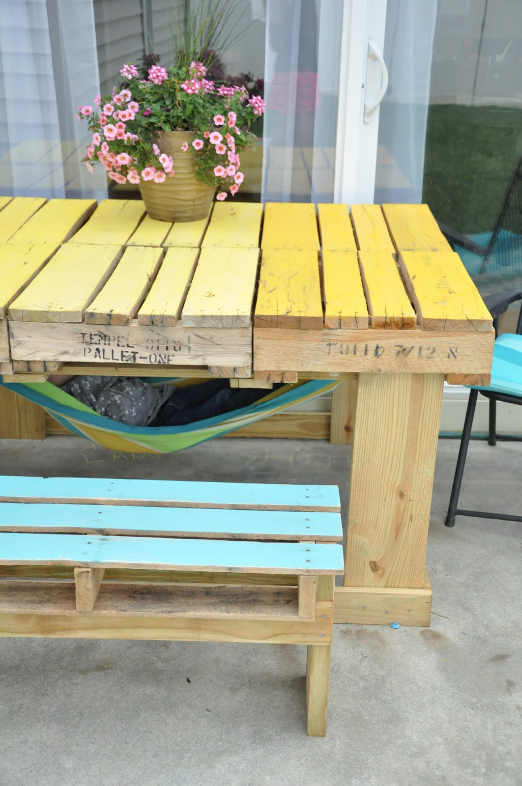 Little bit funky another pallet project outdoor table for Patio table made from pallets