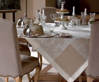 Maintenon Table Linens
