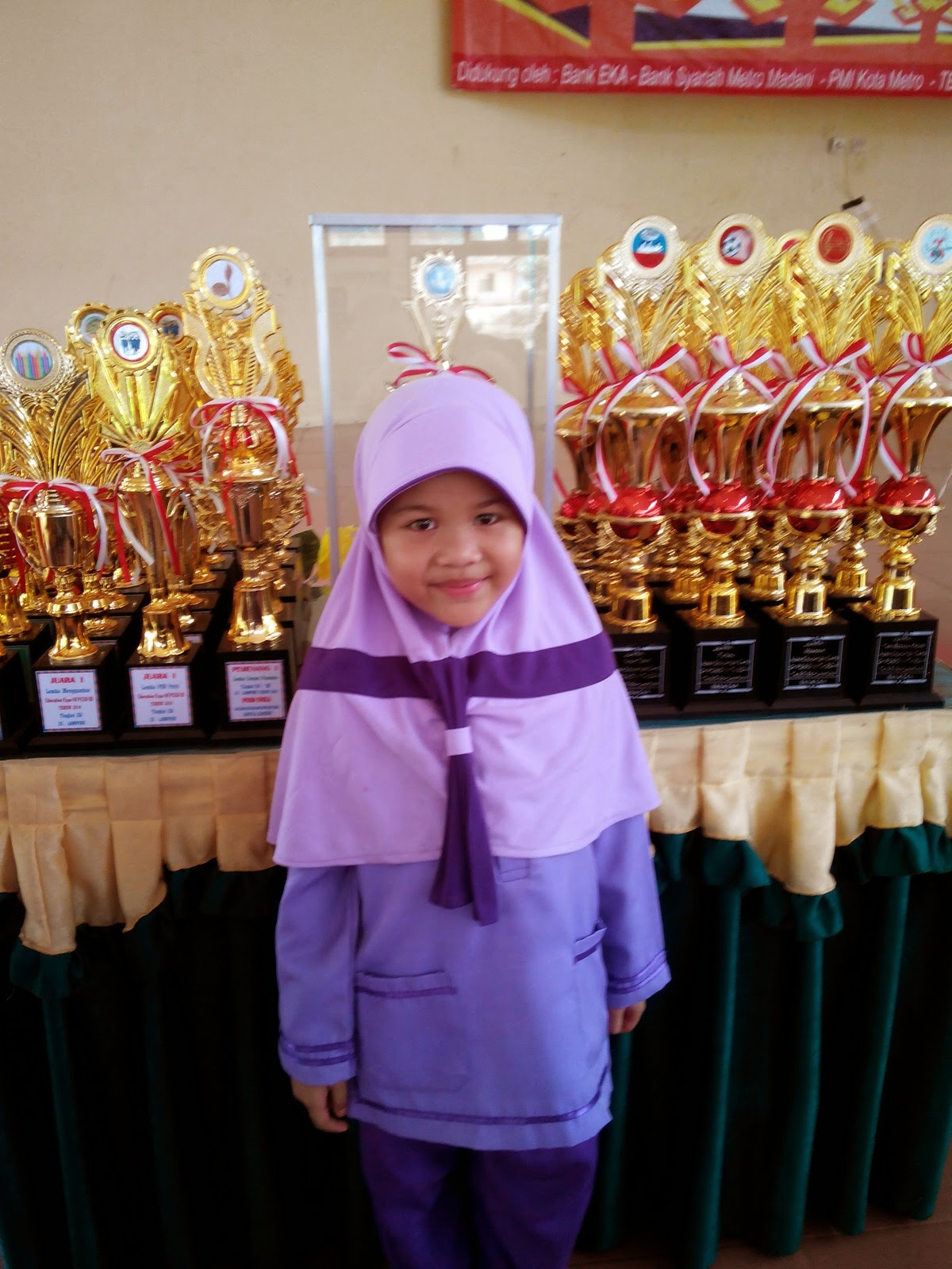 Siswi SDIT Madani