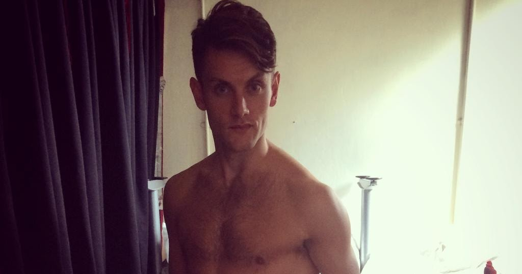 The Stars Come Out To Play: Samuel Holmes - New Shirtless