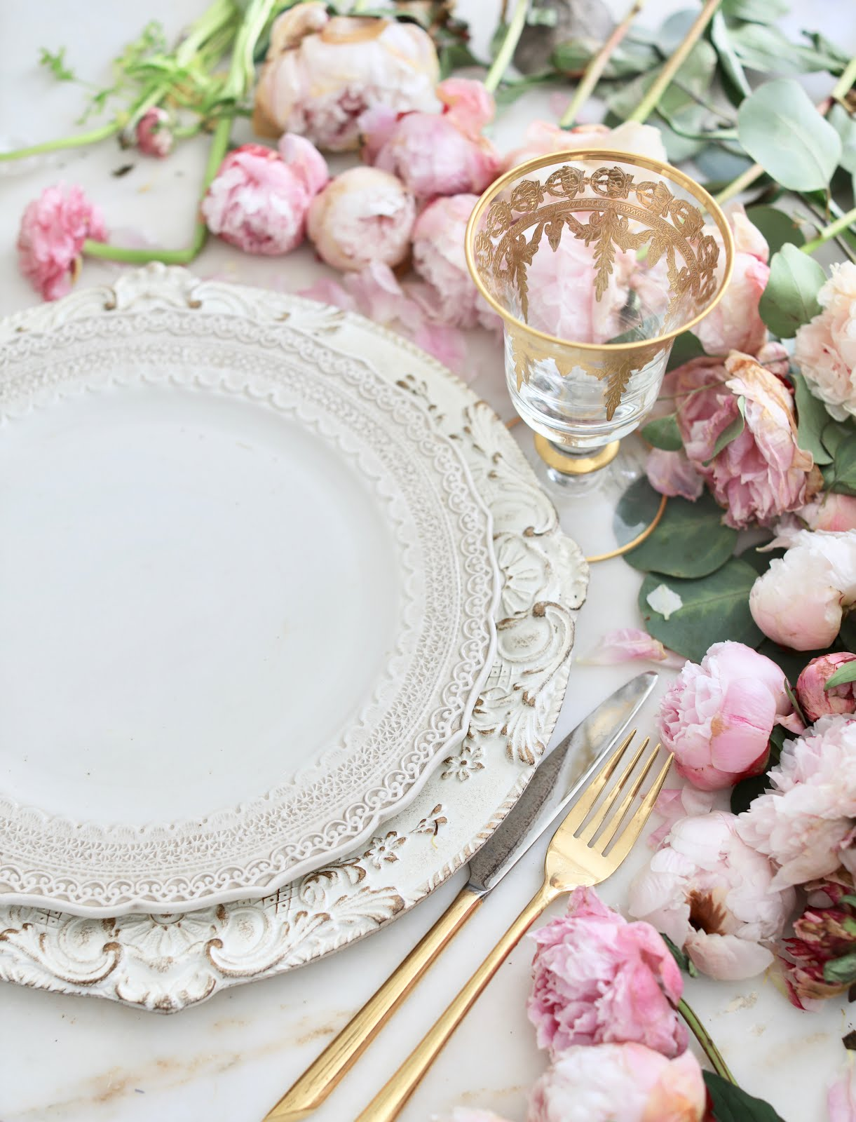 And today I am also sharing a couple of place setting ideas that are romantic inspired & 3 ideas on a dime- Romantic inspired place settings - FRENCH COUNTRY ...