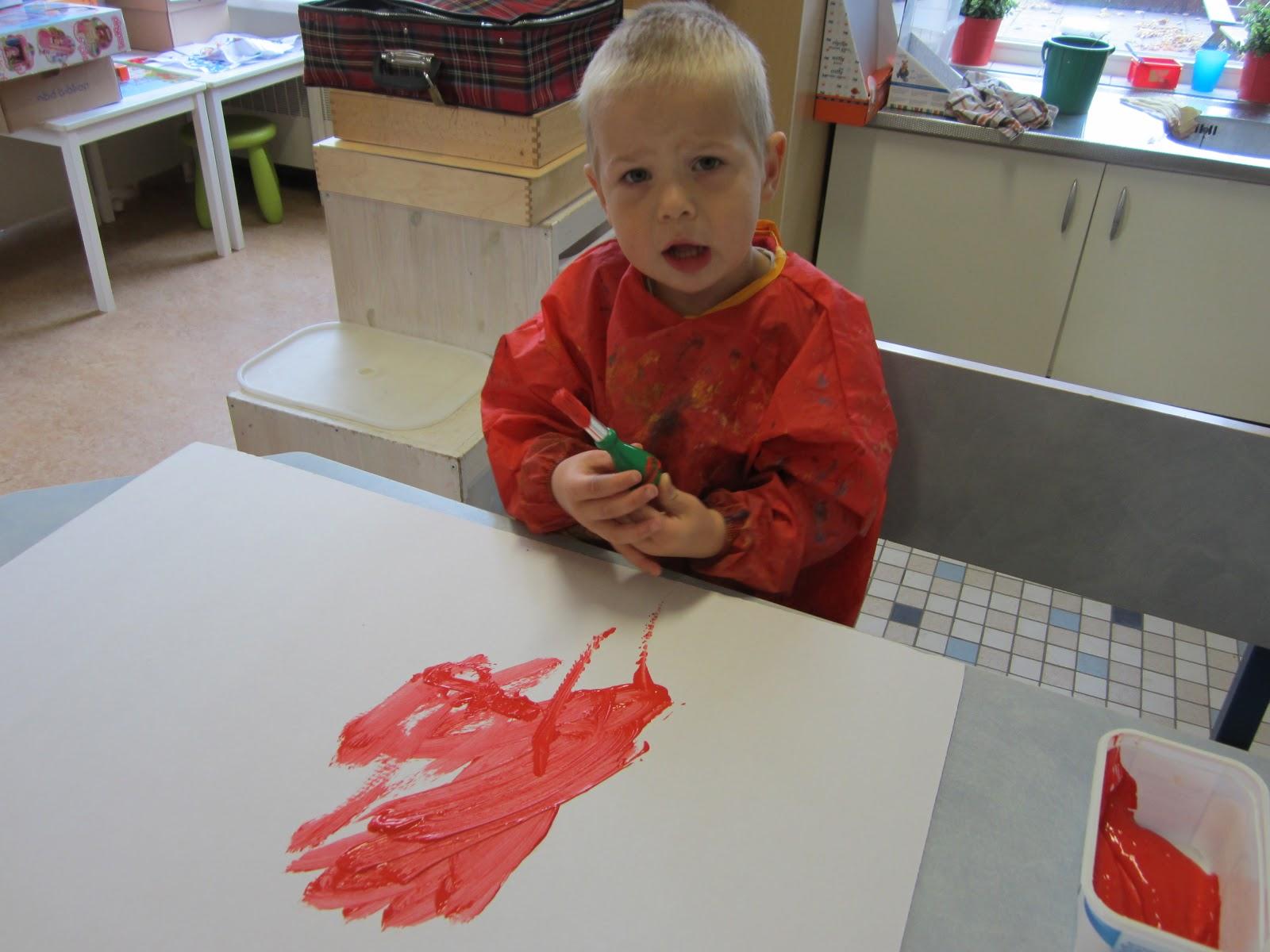 Blog voorschool de ontdekking we maken samen een rode bus - Maken rode verf ...