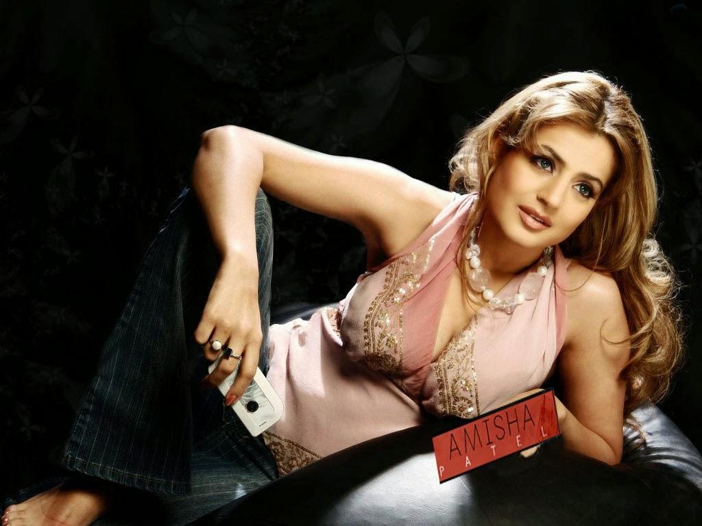 Ameesha Patel Sexy in Bikini