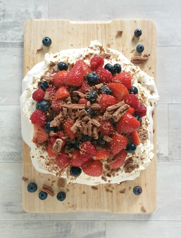 Mixed Berry Pavlova // mylittlekitchenblog.co.uk