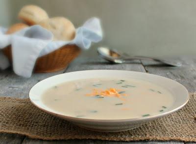 Creamy Cheesy Cauliflower Soup