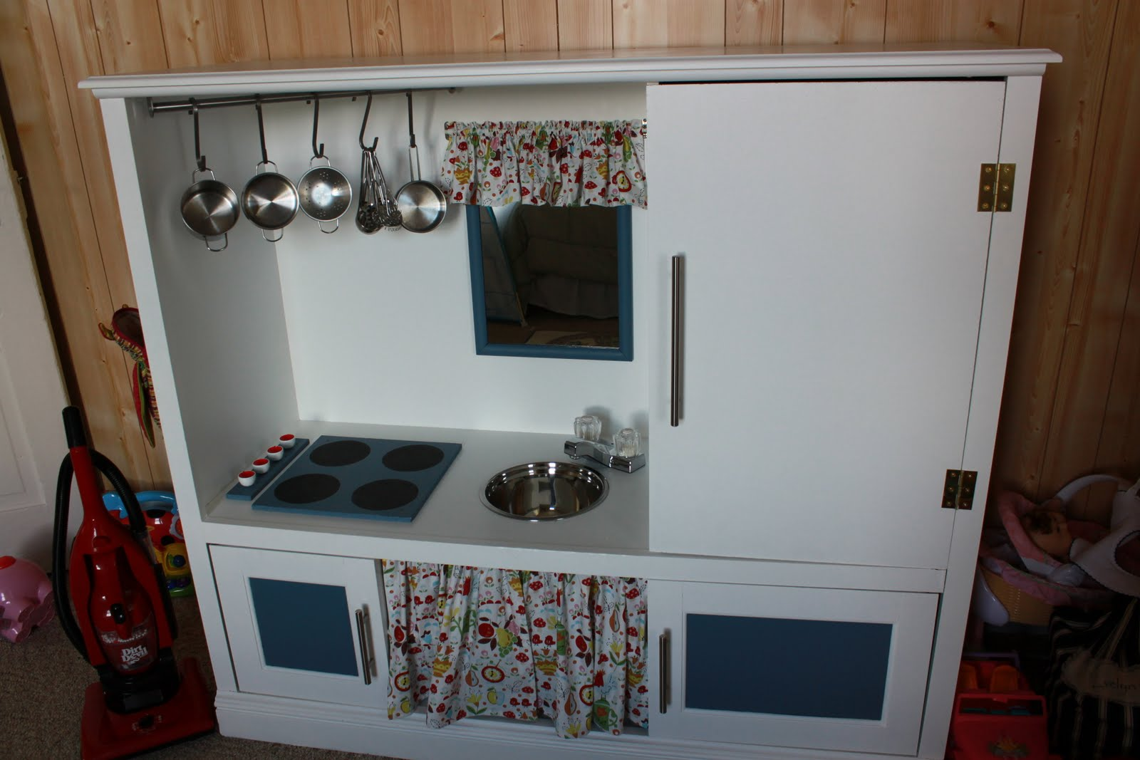 Guest Post: DIY Play Kitchen from The Family Connection - Scissors ...