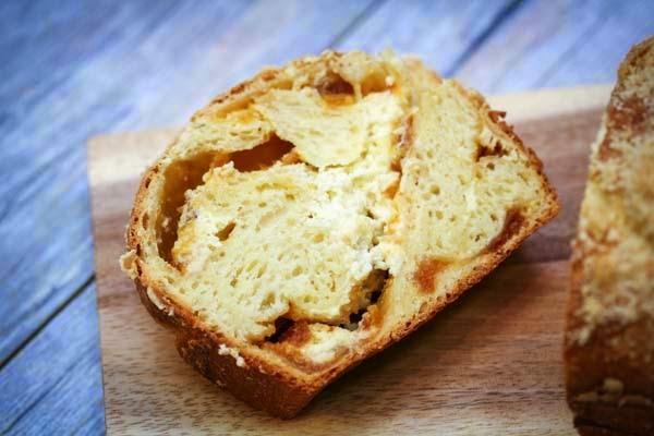 apricot-stuffed-bread