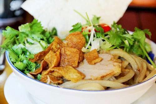 Hoi An vermicelli (Cao lau Hoi An)
