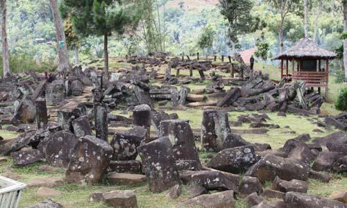 wisata, berita, gunung padang, megalit, megalitik, situs megalitik,