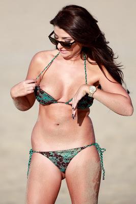 Brittney Jones Stated Bikini Candids And Revealing Some Nips