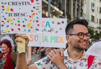 """De ce n-a mai ajuns pastor Victor Ciobotaru, fondatorul """"comunității creștinilor LGBT din România"""""""
