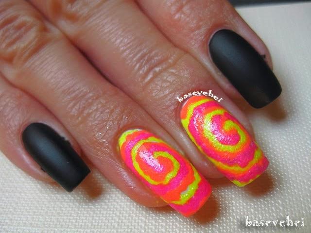 http://baseveheinails.blogspot.com/2014/06/tie-dye-nails.html