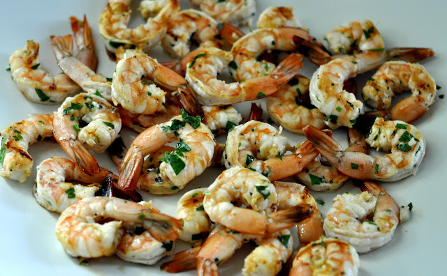 Garlicky-Grilled-Tequila-and-Lime-Shrimp-tasteasyougo.com