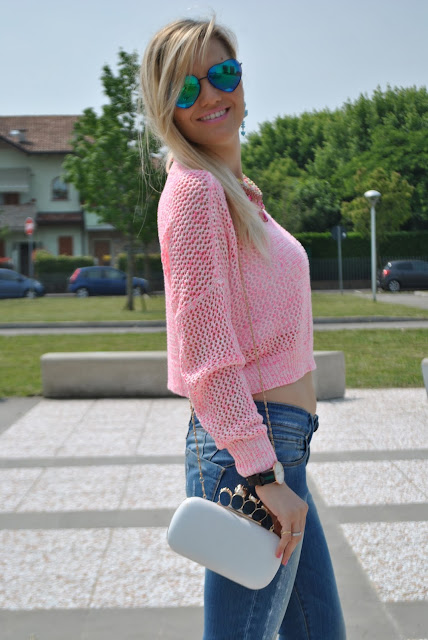 mariafelicia magno fashion blogger colorblock by felym occhiali da sole lenti a cuore rosa ragazze bionde blonde hair blonde girls fashion bloggers italy fashion blogger italiane daniel wellington borsa bianca abbinamenti borsa bianca