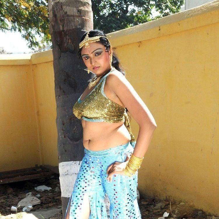 Vahida in Kousalya Aunty Hot Photos Gallery