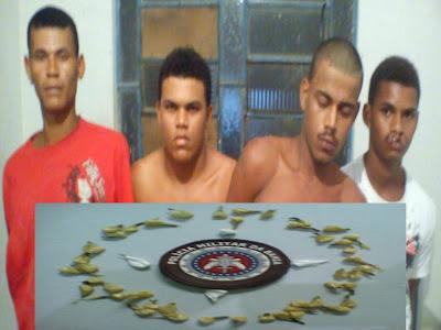 SANTA CRUZ DA VITÓRIA: POLÍCIA MILITAR ESTOURA BOCA DE FUMO E PRENDE TRAFICANTES
