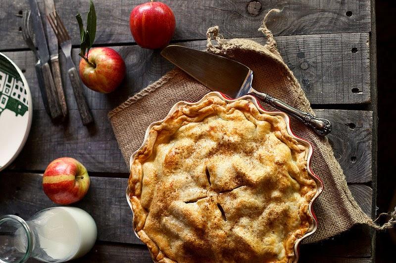 Fabuloso menú de otoño con recetas y productos de temporada: pastel-manzana