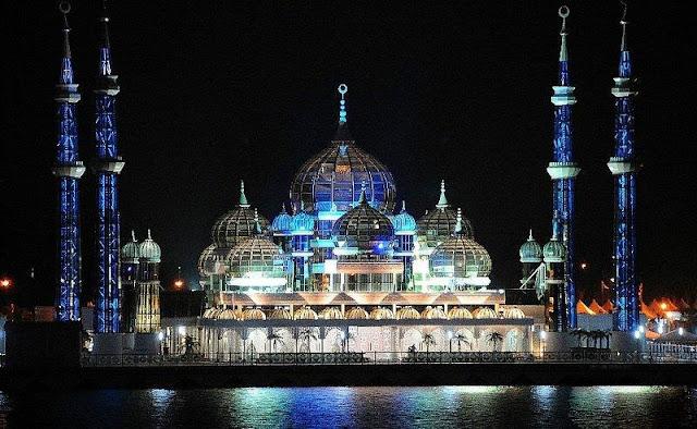 مسجد الكريستال ماليزيا 20090110230231.jpg
