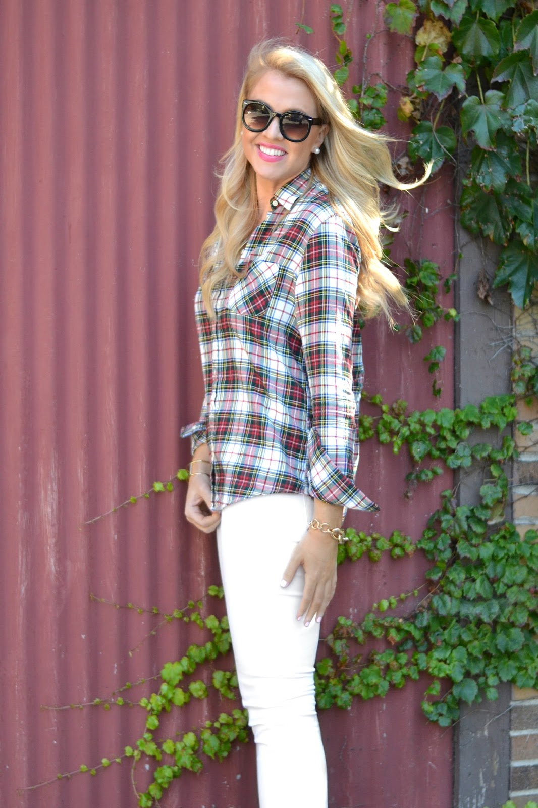 fall-outfit-with-plaid-shirt