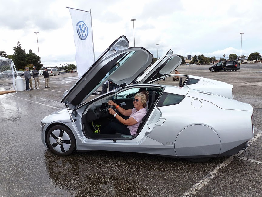 COOGLED: VOLKSWAGEN LAUNCHES NEW MODEL XL 1 WORLDS FIRST ...