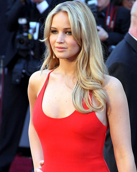 Jennifer Lawrence - Exnim