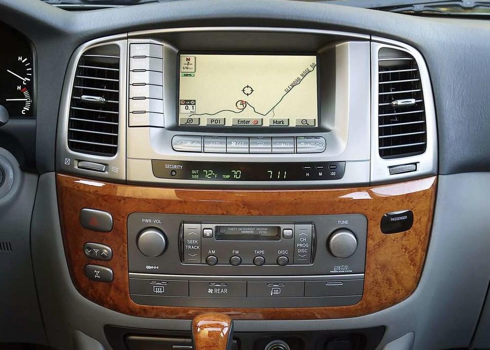 2003 Lexus LX570 interior